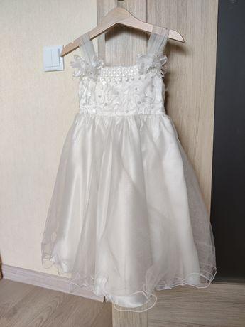 Нарядное платье на праздник на 3 года