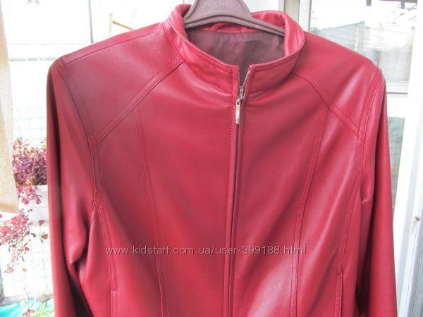 кожаная красная куртка C&A