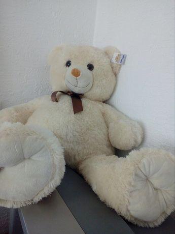 Продам великого медведя