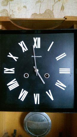 Часы настенные советские Янтарь