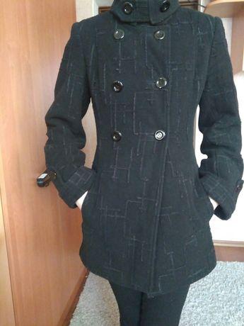Пальто женское фирмы MANNA