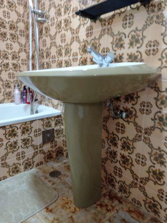 Louça de casa de banho vintage