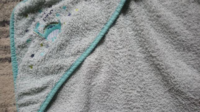 ręcznik kąpielowy z kapturem