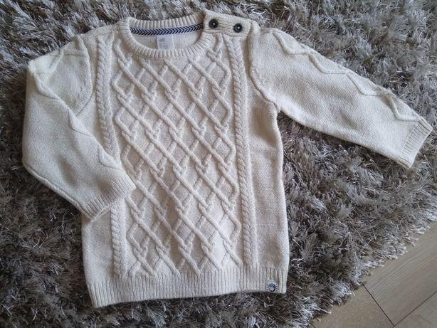 Sweterek nowy 92