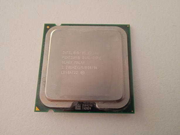 Procesor Intel Pentium e2200 , ram 4gb 2x2 DDR2