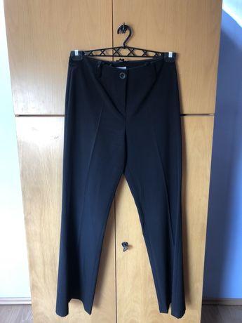 Czarne materiałowe spodnie rozm. 42