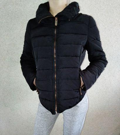 Курточка ZARA (розмір М)
