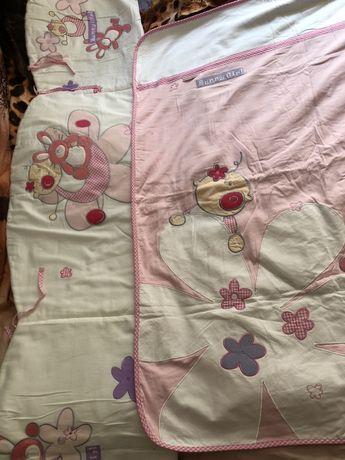 Защита в кроватку и покрывало/одеяло