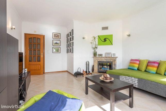 Apartamento T2 com elevador e arrecadação | Santa Marta Corroios