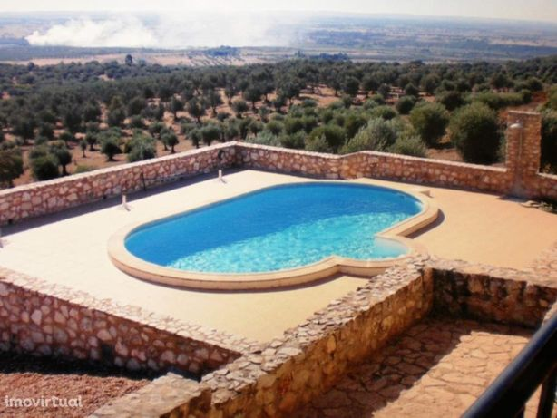 Moradia T3+2 com piscina