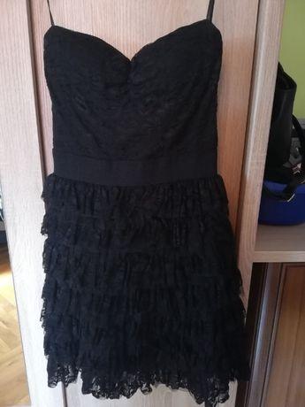 Sprzedam sukienkę czarna koronka
