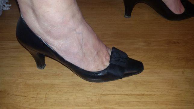 Sapatos em couro como novos!