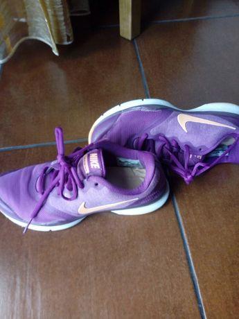 Sapatilhas Nike de senhora n. 37,5