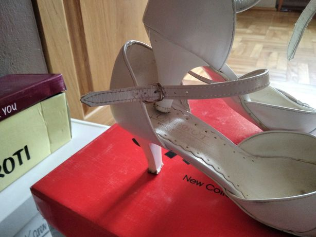 Buty ślubne białe r 40