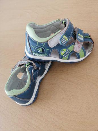 Sandałki chłopięce 19
