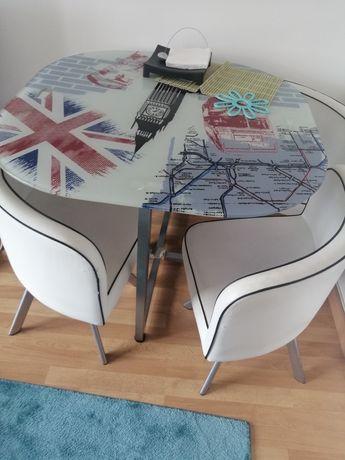 Vendo mesa conforma com 4 cadeiras