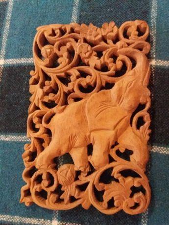 Картина вырезана из дерева слон резьба по дереву