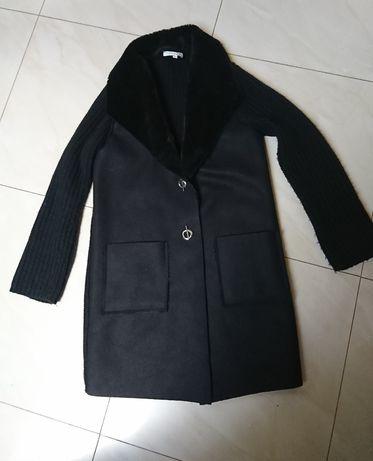 Śliczny gruby sweter lub płaszczyk rozm. M/L