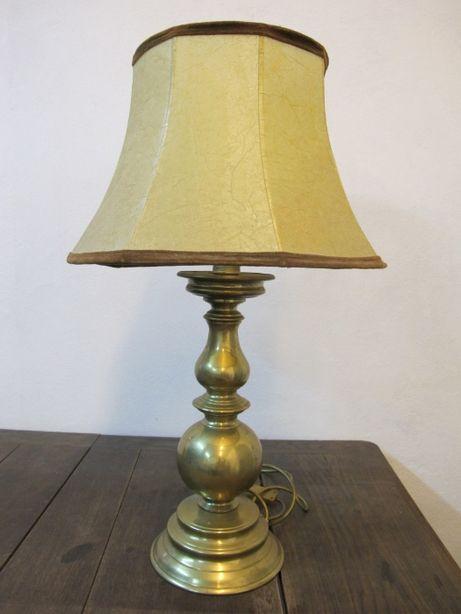Zabytkowa lampa stołowa mosiężna, ciężki odlew z abażurem pergaminowym