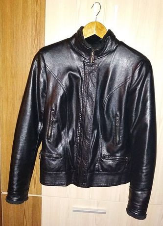 Куртка осенняя кожаная - 1000 рублей