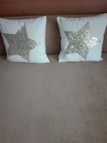 Poduszki z gwiazdą bardzo wygodne