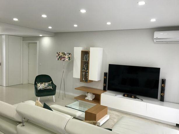 Apartamento T2 NOVO Mobilado C/ Terraço e Garagem
