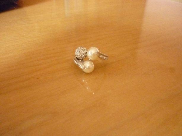 Pierścionek srebrny perły perełki