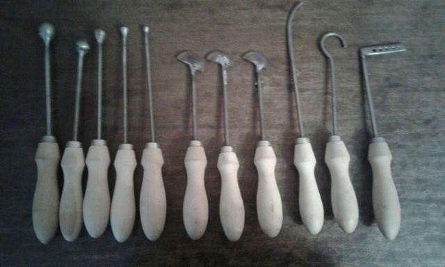Инструмент для изготовления цветов из кожи и ткани.