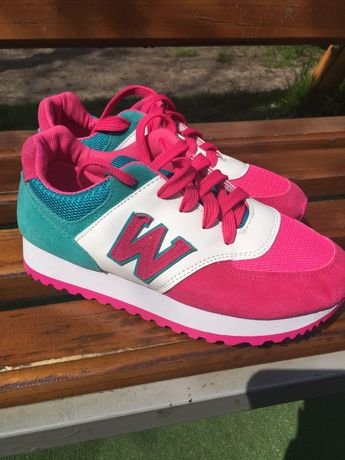 Нові кросівки
