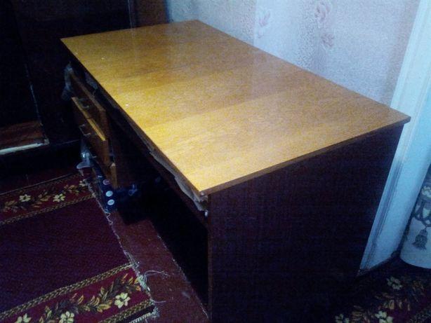 Письменный стол,