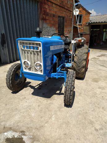 Vendo tractor Ford 3600 com acessórios
