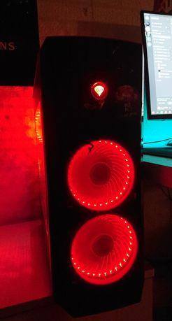 Komputer gamingowy składany