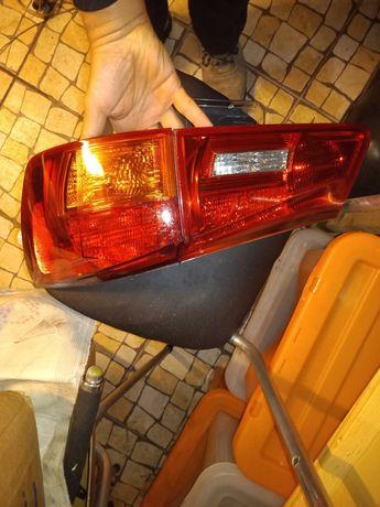 Farolins Lexus IS 200, IS220d, IS250 de 2006 a 2013
