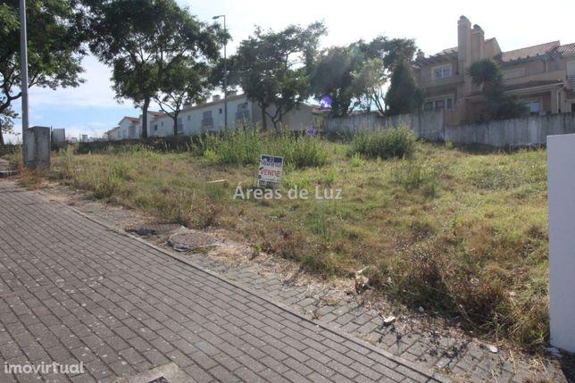 Lote de terreno para Moradia - Urb. Santa Clara