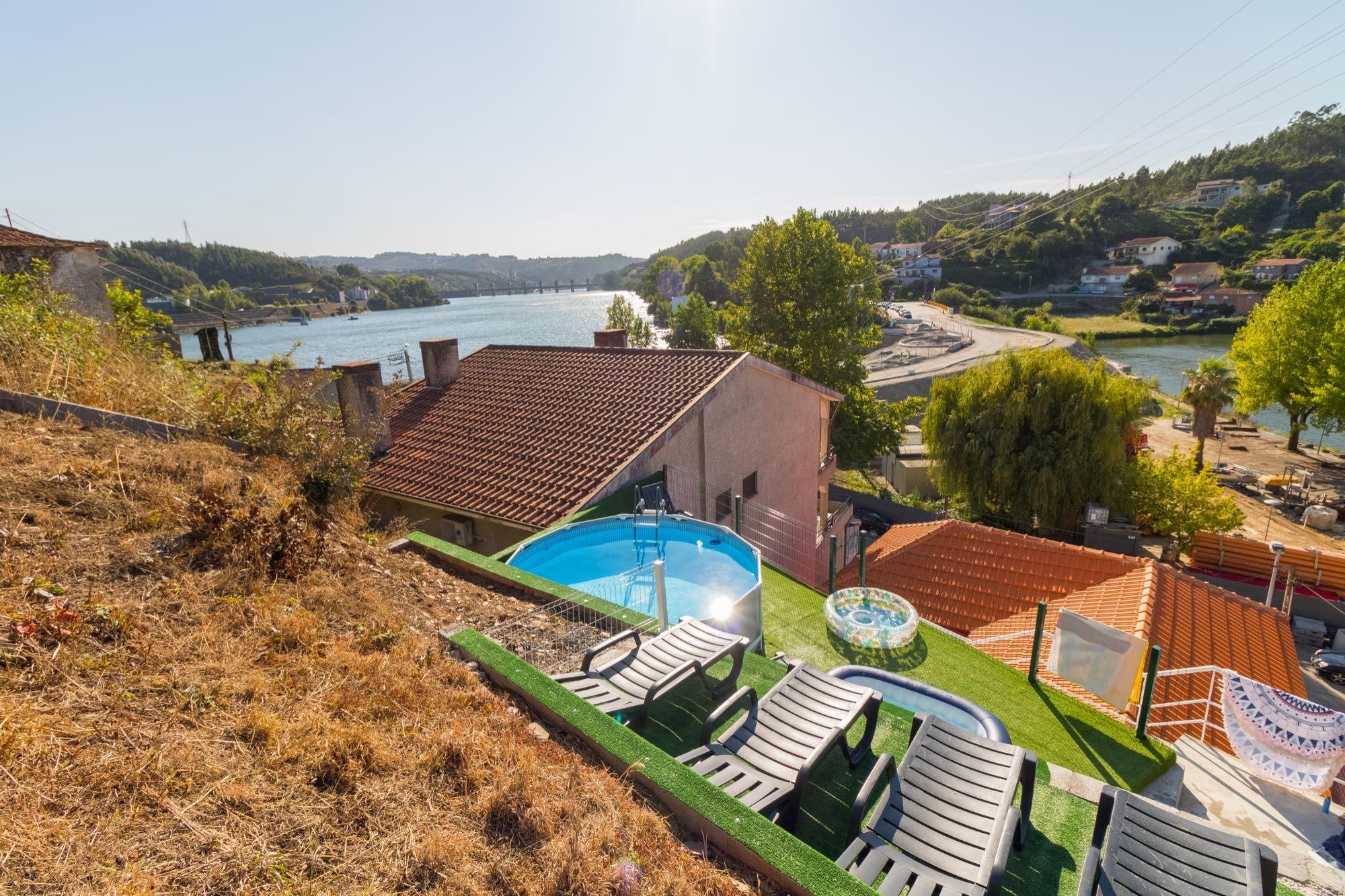 Casa de férias junto ao Rio Douro e à mariana Angra Douro e à barragem