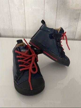 Buty lasoski 19 rozmoar jak nowe skorzane