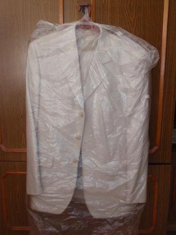 Чоловічий світлий класичний костюм 46 розміру