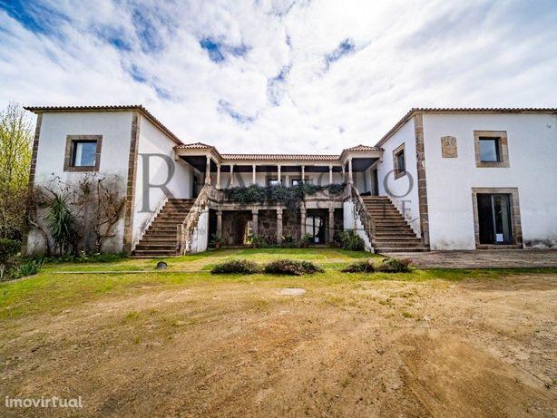 Quinta com casa senhorial em Ponte de Lima