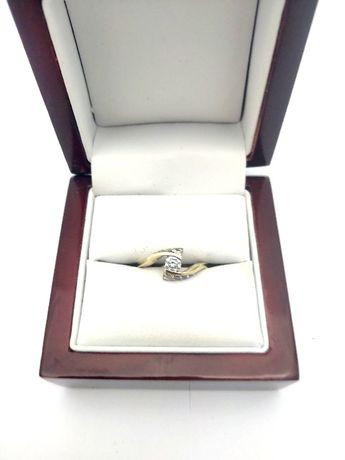 Złoty pierścionek z Cyrkoniami P333 1,90G