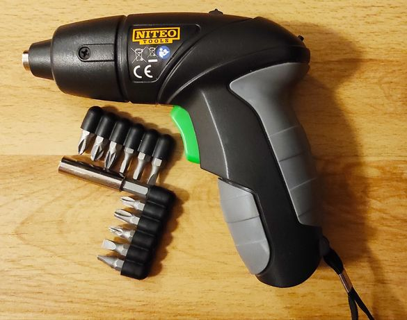 Wkrętak śrubokręt akumulatorowy NITEO + bity (do mebli warsztatu)