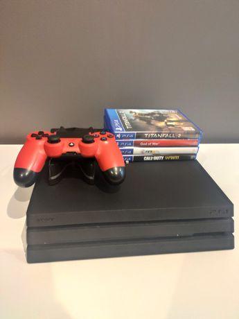 Sony PS4 PRO 1TB + pad + ładowarka do dwóch padów+ hub usb + 4 gry
