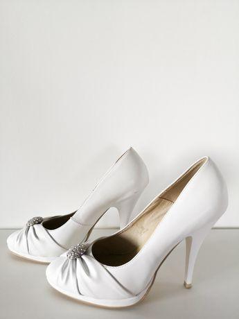 Белые туфли на каблуке экокожа р 38
