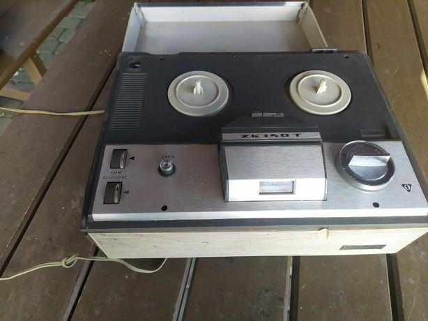 Stary magnetofon ZK140T