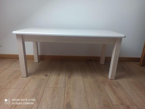 Stolik z drewna sosnowego w kolorze bielonym