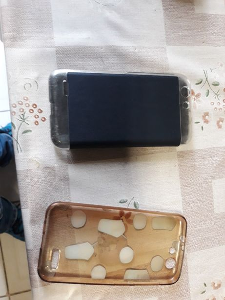Vendo 2 capas doVodafone smart e8