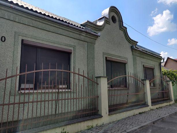 Продается уютный добротный дом