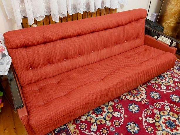 Kanapa, rozkładane łóżko i 4 fotele