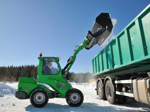 Мини погрузчик трактор AVANT (Альтернатива Bobcat Бобкет) Уборка снега