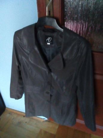 Płaszcze kurtki