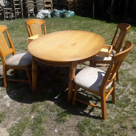 b.wygodne fotele rattanowe